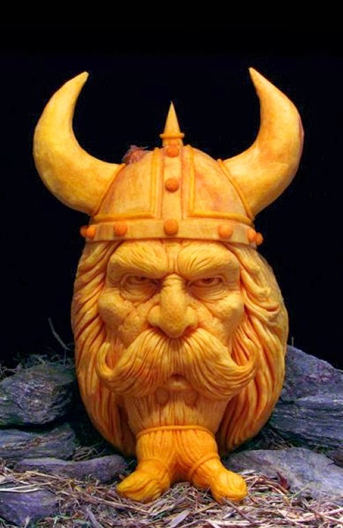 15-Halloween-The-Pumpkins-Villafane-Studios-Ray-Villafane-Sculpting-www-designstack-co
