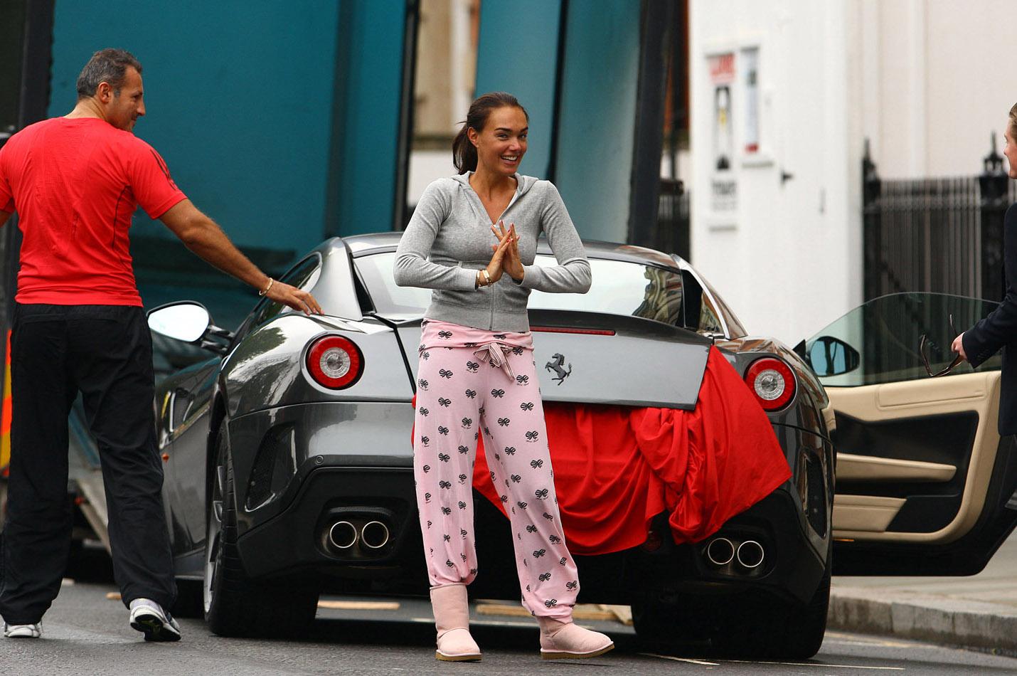 http://4.bp.blogspot.com/-iC6Cs547-8Q/TlsxJ4dbqfI/AAAAAAAAArE/MA-c51fkBaY/s1600/Tamara-Ecclestone-Ferrari-Pajamas.jpg