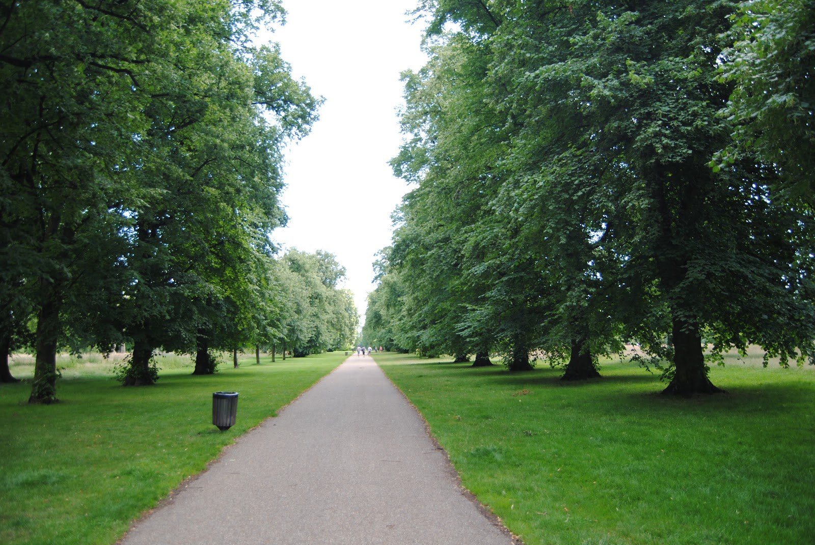 London calling hyde park kensington gardens for Kensington park