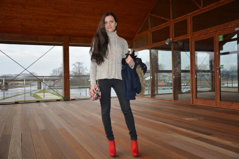 czarne jeansy blog