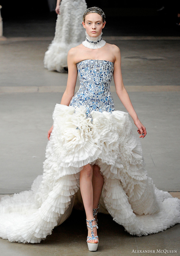 The best of alexander mcqueen wedding dress now the time for break while on savile row mcqueens clients included mikhail gorbachev and prince charles at the age of 20 he spent a period of time working for koji tatsuno junglespirit Image collections