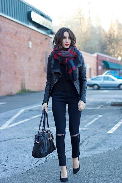 http://4.bp.blogspot.com/-iCwHezT_zKw/VNsC5TEUSJI/AAAAAAAAL-M/PRFfrAKPp30/s1600/how-to-wear-an-oversized-scarf.jpg