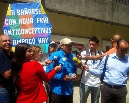 Caraqueños protestan contra la grave escasez de anticonceptivos y otras medicinas