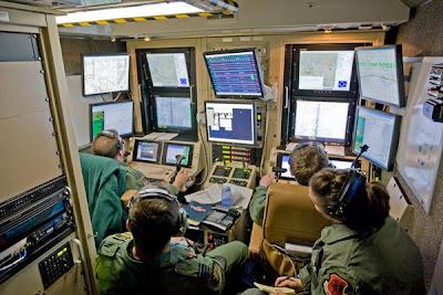http://4.bp.blogspot.com/-iDB7PPArDG4/T6GdXGpIb8I/AAAAAAAAQr0/s0Okz65uSaQ/s1600/predator%2Bdrone%2Bcontrol.jpg