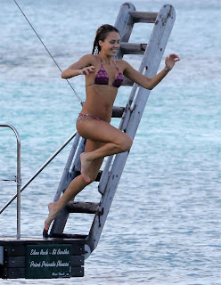 Jessica+Alba+with+Nicole+Richie+ ++Purple+Bikini+ +St+Barts+ +05.04.2013+ +156hq+30 Jessica Alba with Nicole Richie in Purple Bikini Candids in St Barts