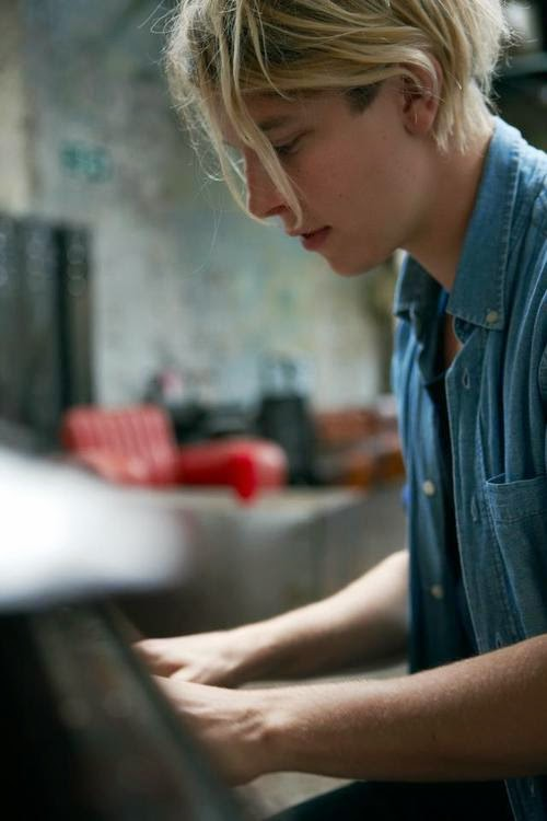 TOM ODELL, WALLPAPER, PAINT TOOL SAI,