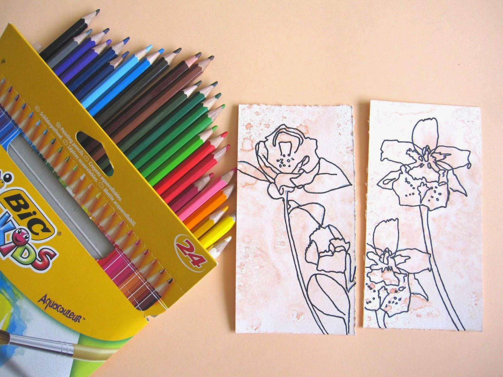 tercer paso tag abril:  cómo colorear si no se tienen distress markers, opción 1: lápices acuareables, cómo usarlos