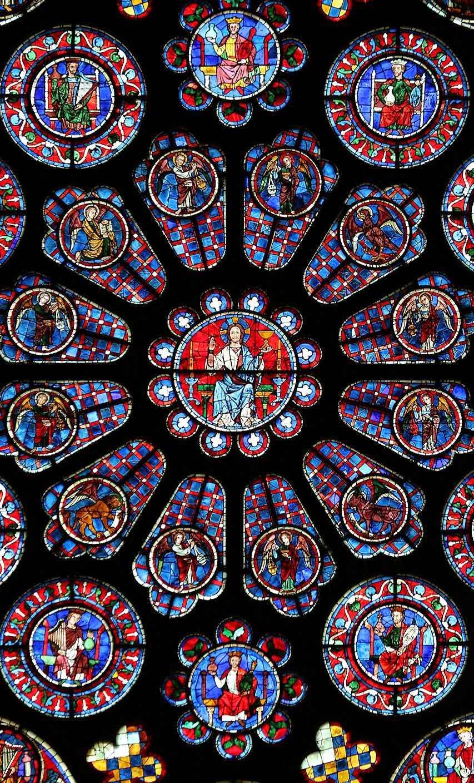 Detalhe central da rosácea do transepto da catedral de Chartres, França
