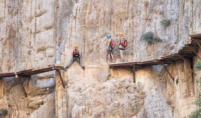 ElCaminoDelRey 001 - The Most Dangerous Path in the World