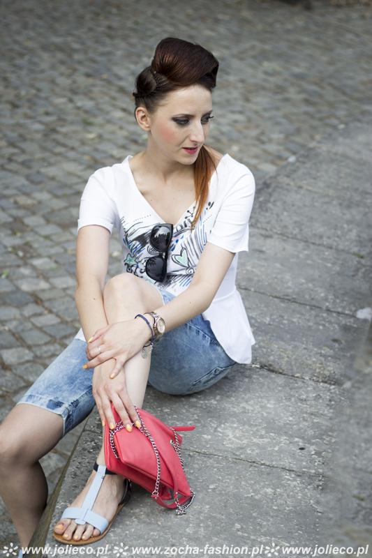 http://www.zocha-fashion.pl/2015/08/baskinka-jeans-revcznie-malowane-sandaki.html