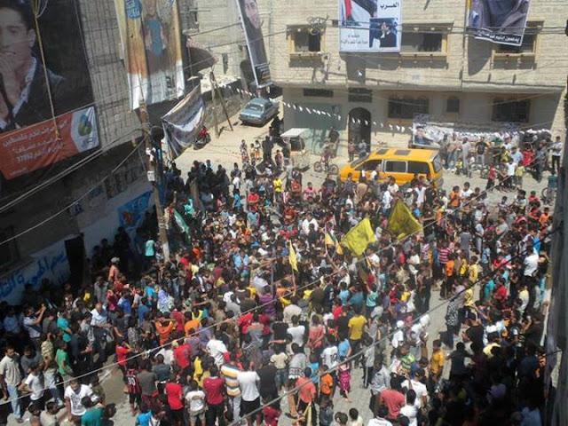 بالصور: جماهير غفيرة تستقبل محمد عساف في معبر رفح وخانيونس