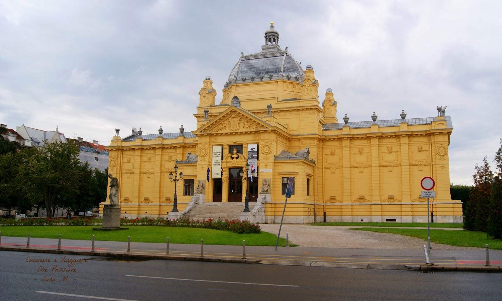 Zagabria cosa vedere in citt biciclettabalcanica for Palazzo in stile messicano