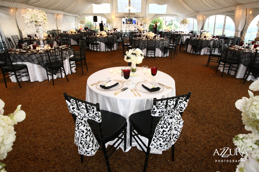 A Fabulous Wedding At Newcastle Golf Club In Black And White Flora