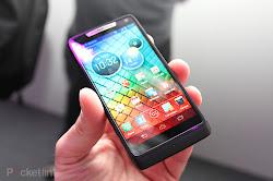 spesifikasi harga Motorola RAZR i , handphone android 2GHz, ponsel android tercepat, gambar hp Motorola RAZR i  terbaru