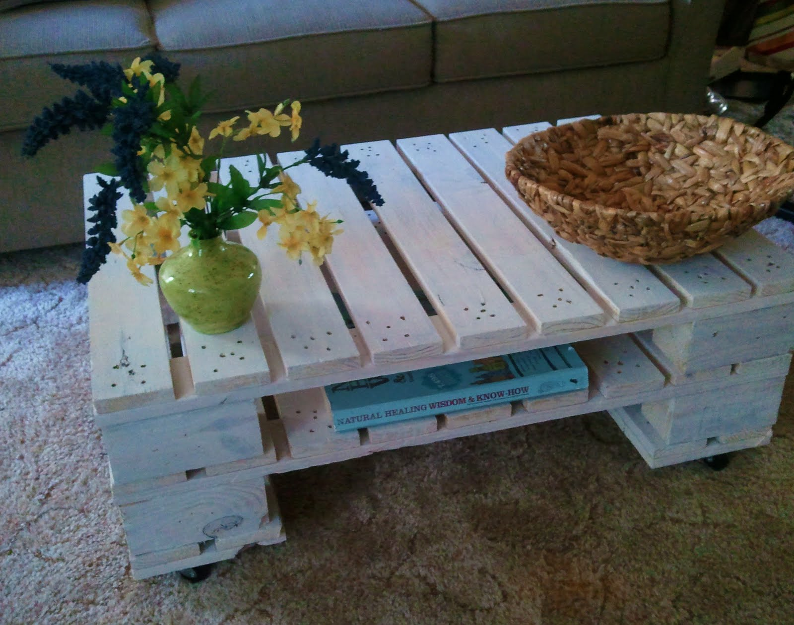 """Sew Homegrown """"Pallet able"""" Home Decor"""