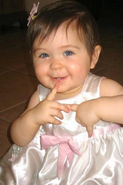 Jolie bébé fille photo très mignonne