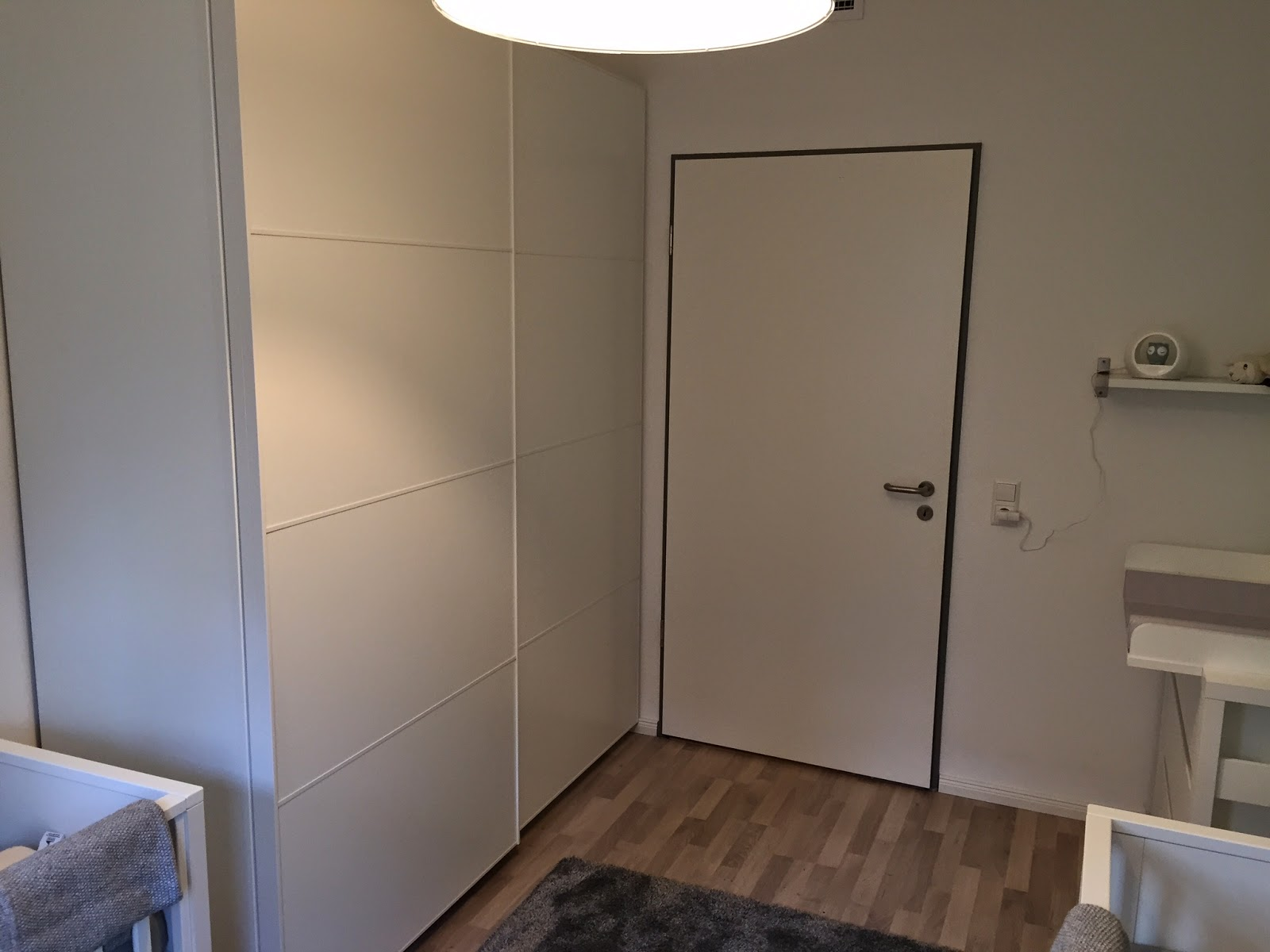 ein blick in das nunmehr langsam fertig werdende zimmer der elbzwillinge elbzwillinge. Black Bedroom Furniture Sets. Home Design Ideas