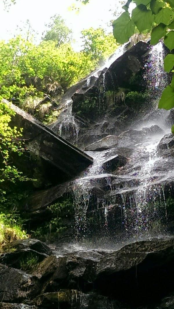 Blog we are white lions Zürich Wasserfall verzascatal valle verzasca sentierone schweiz