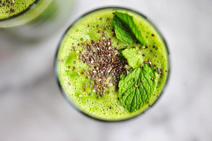 Green Spinach Kale Power Smoothie - Winter Detox
