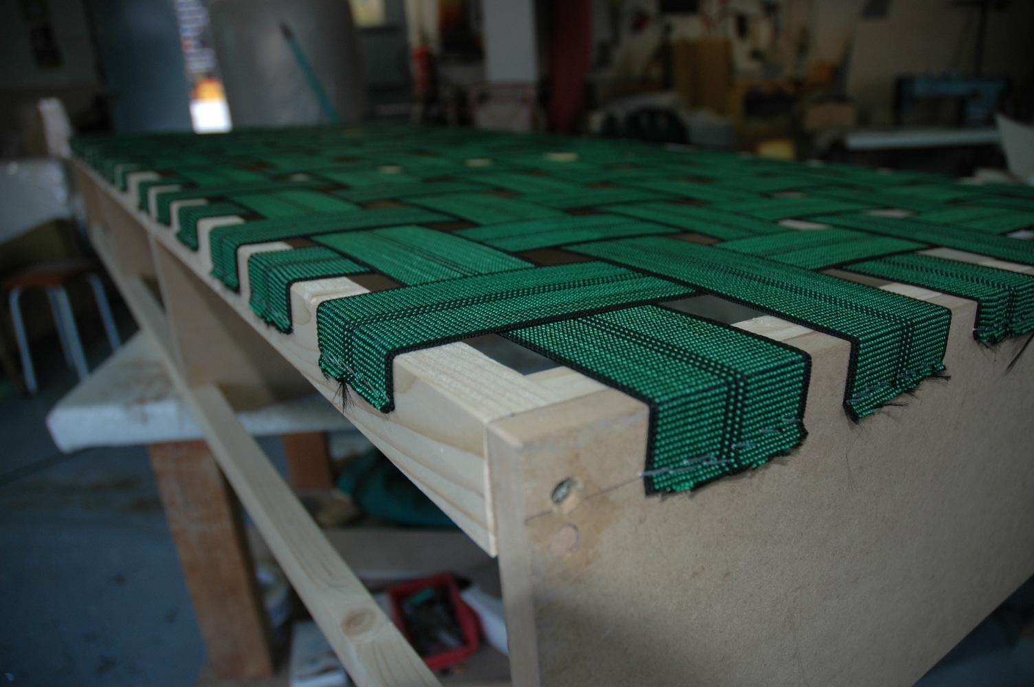 Tap zame construyendo un sof - Que cuesta tapizar un sofa ...