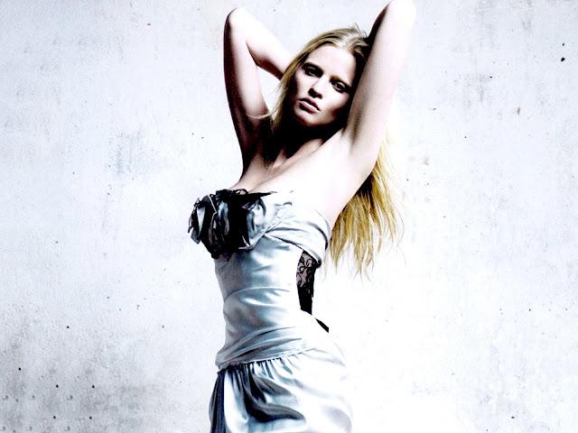 Lara Stone Pictures