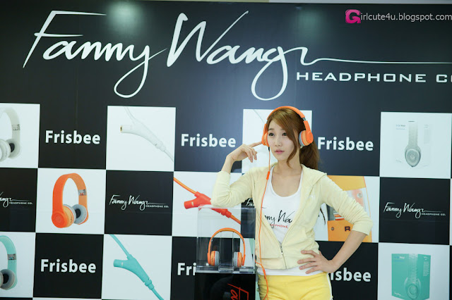 2 Go Jung Ah for Fanny Wang Headphone-very cute asian girl-girlcute4u.blogspot.com