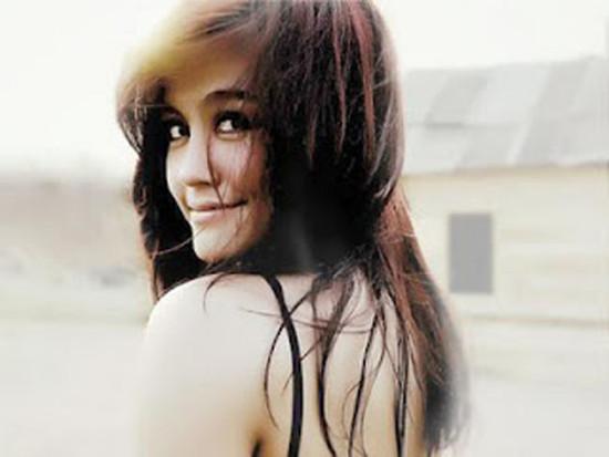 Agnes Monica Aktfoto