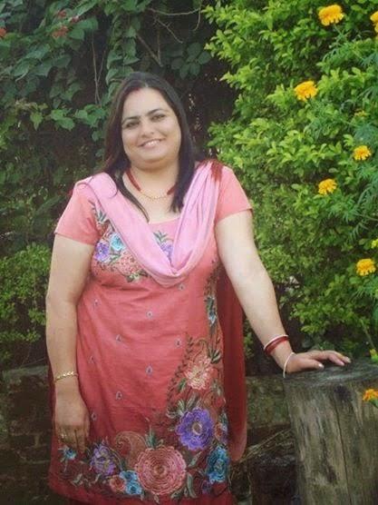 Fresh Aunty- Indian Aunties Whatsapp Numbers: Beautiful