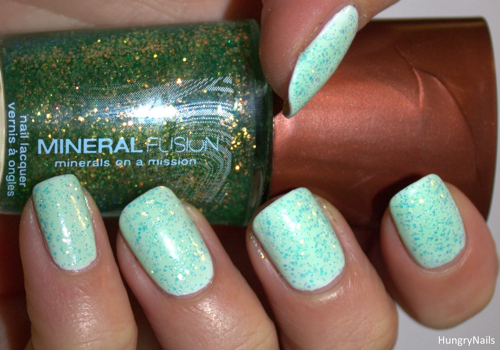 http://hungrynails.blogspot.de/2014/01/topper-time-mit-mineral-fusion.html