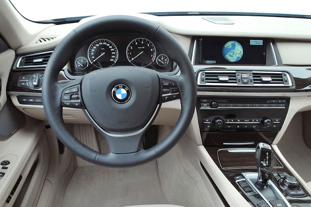 2013 BMW ActiveHybrid 7 Front Interior