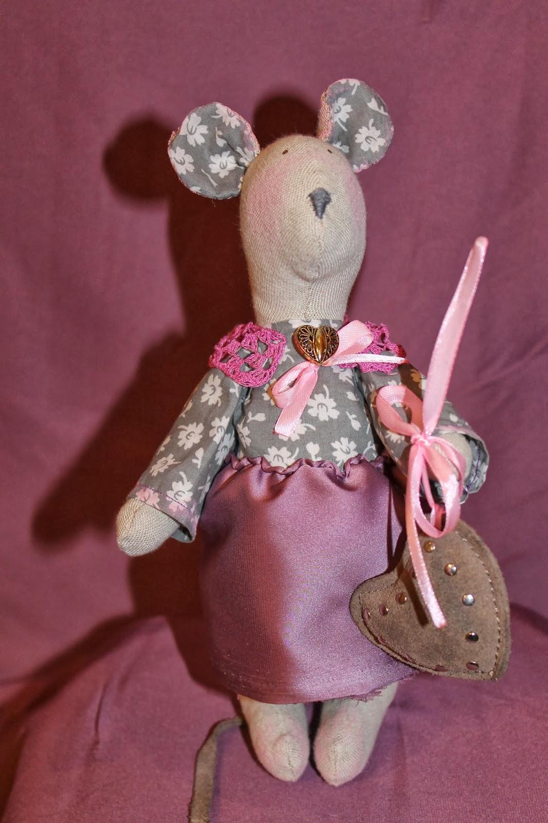 Игрушка льняная мышка