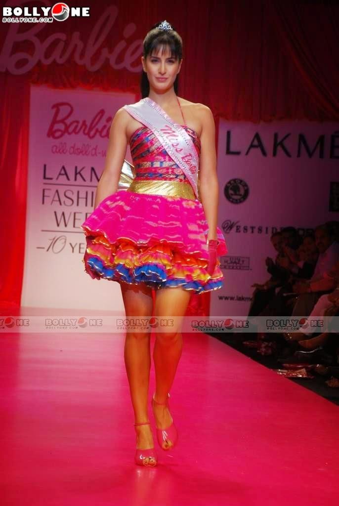 Katrina Kaif pink legs
