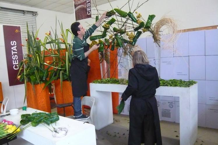 Preparação para Curso de Arte Floral Arranjo Floral da Demonstração.