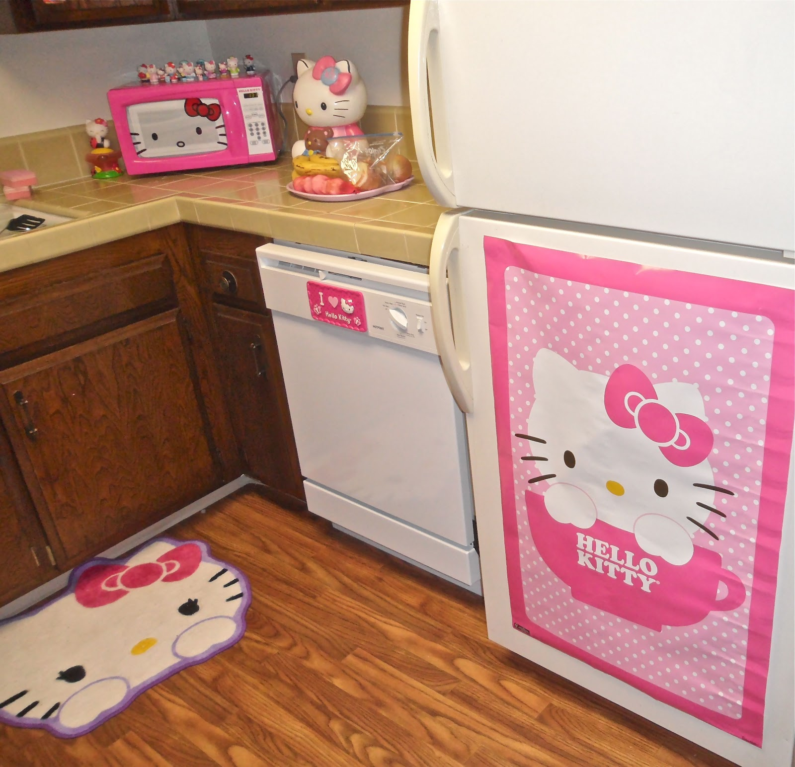 Okashi Yummy: Hello Kitty kitchen!!!