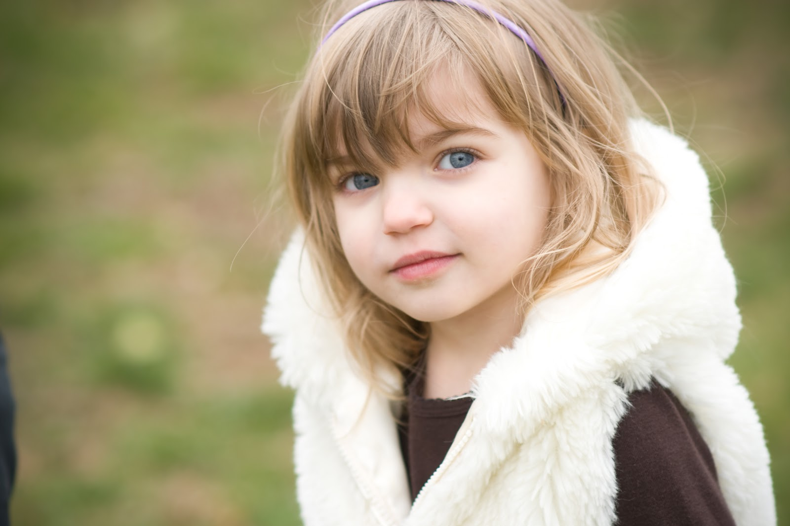 Beautiful Blue Eyes Baby Girl HD Wallpaper   Cute Little Babies