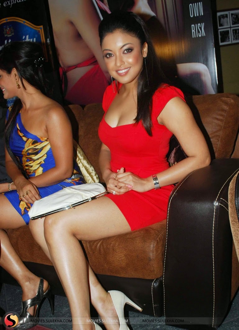 tanushree dutta at apartment first look