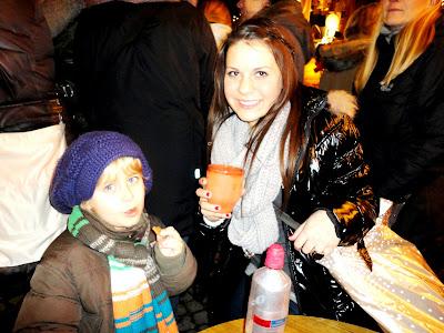 Auf dem Weihnachtsmarkt-Auf dem Weihnachtsmarkt