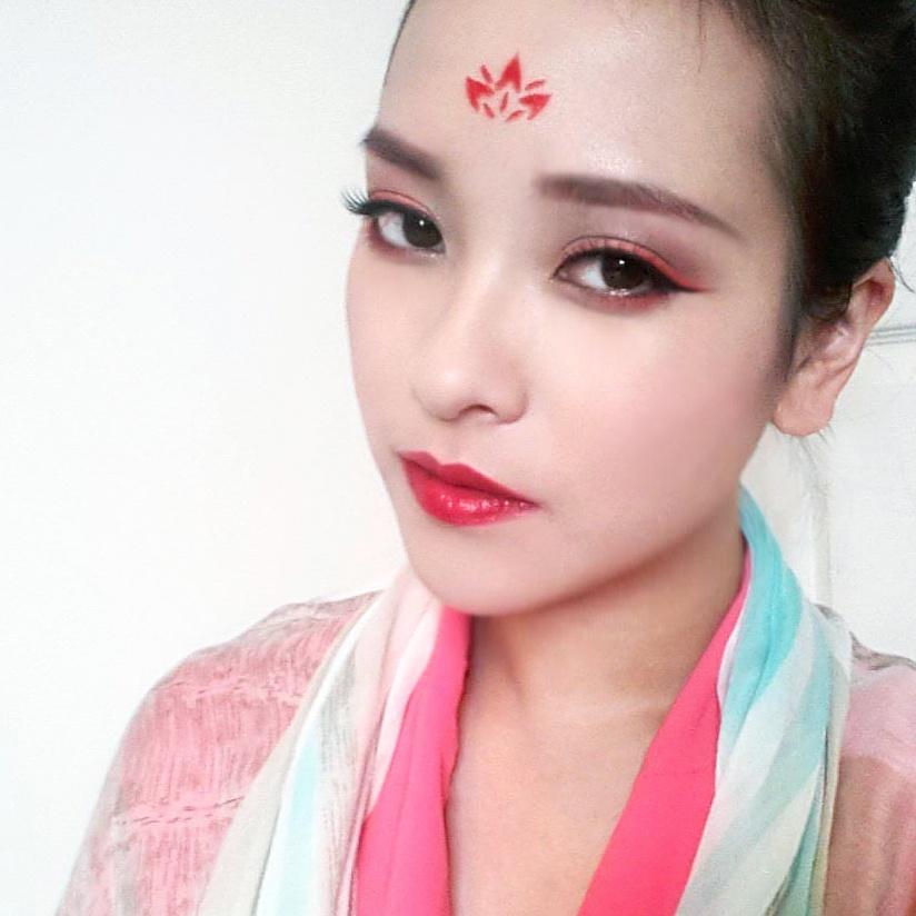 Chinese makeup