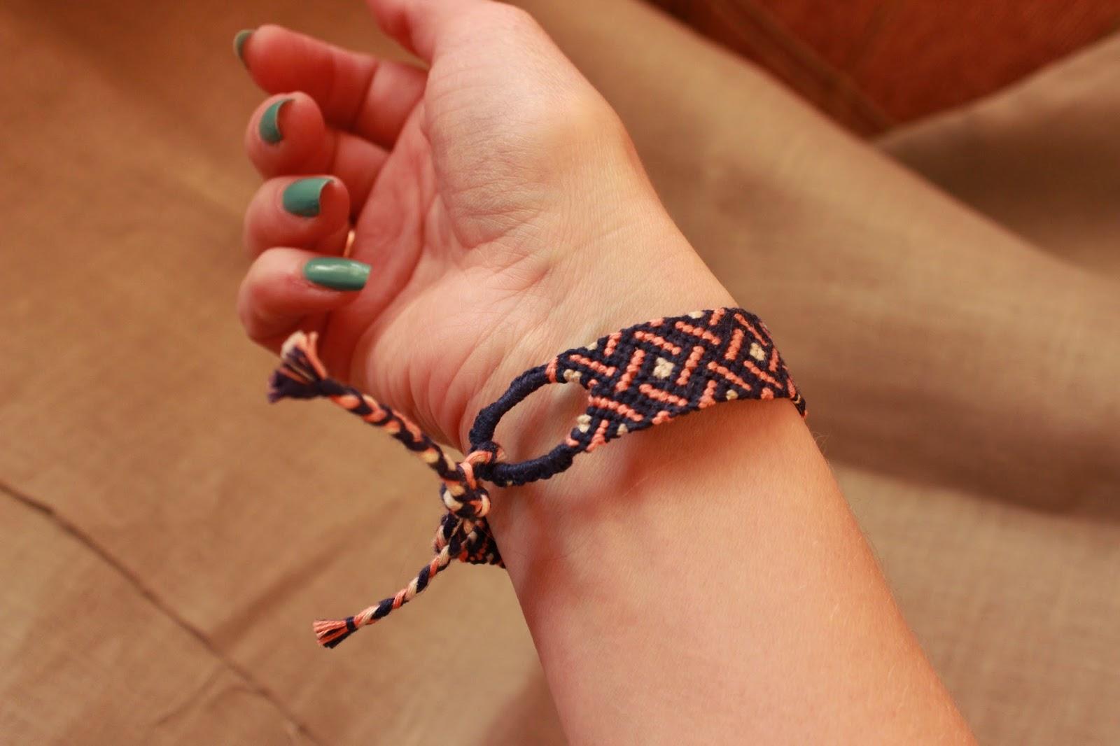 плетеночки, фенечка, фенькоплет, красивый узор, браслет на руку,