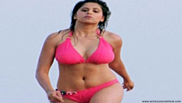 hot saitahankar bikini photos