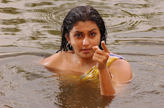 naked_namitha_maya_taking_bath_hot_maya_hd_wallpapers