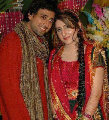 Pakistani Model And Actor Sami Khan With Wife