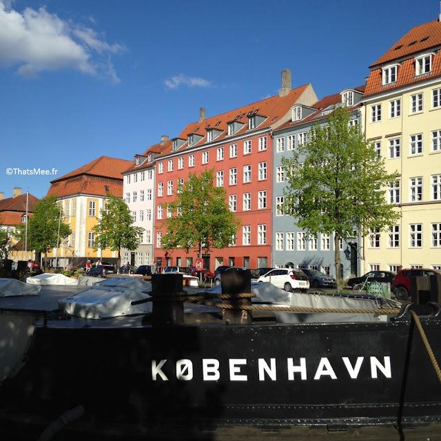 Christianshavn Port Copenhague maison de couleurs canal bateaux amarrés
