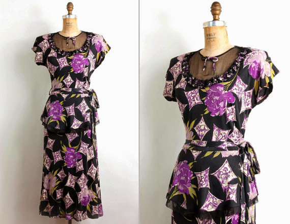 Mint condition 1940s peplum dress with novelty print