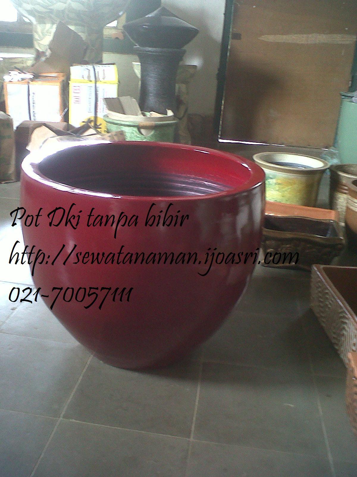 pot warna merah tanpa bibir