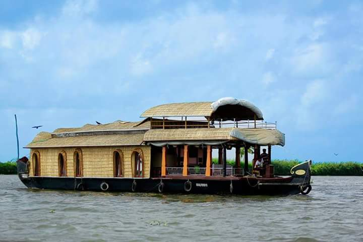 Alleppy House Boats