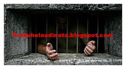 http://prabuhelaudinata.blogspot.com/2013/03/sangsi-hukum-pengedar-narkotika.html