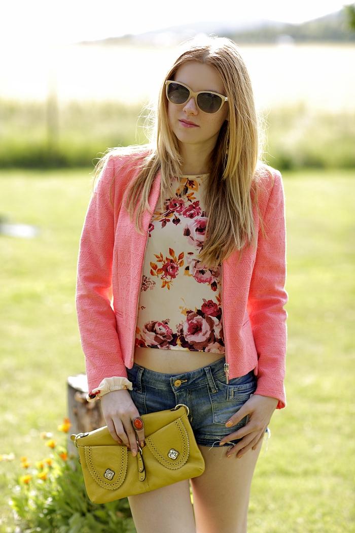 Lucie Srbová, módní blogerka, lososové sako, second hand blouse