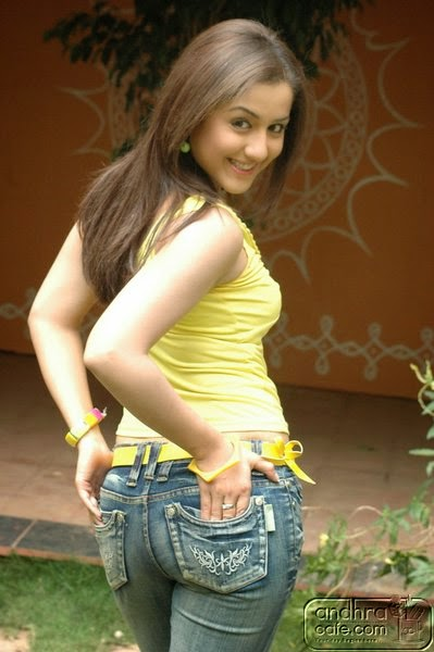 http://hddesipictures.blogspot.com/2014/11/hd-desi-pictures-17.html