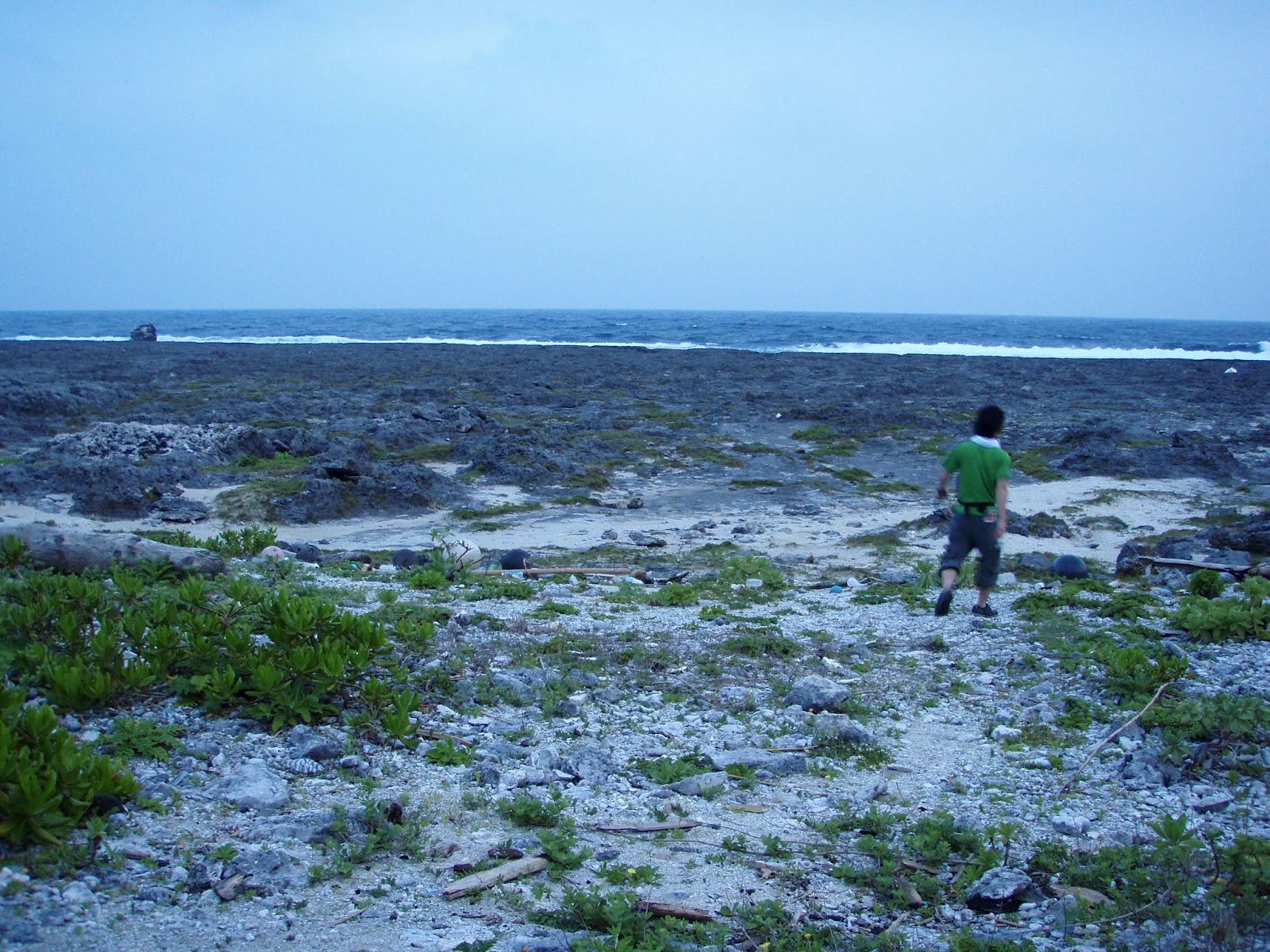 トカラ列島 横瀬海岸というところです。この島はサンゴの島だと実感できます。